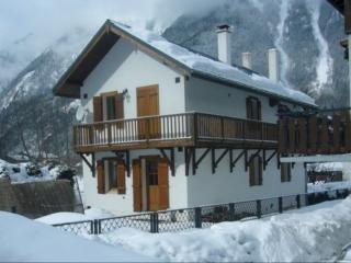 Chalet Heidi, a cosy catered, centrally located, Chamonix
