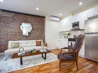 Luxury 2BR/1.5BA Townhouse in the West Village