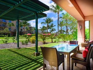 Maui Resort Rentals: Honua Kai Konea 149 – Deluxe 3BR Ground Floor Interior