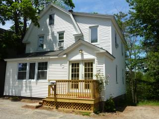 Beautiful 4 bedroom house, 1/4 mile from beach, Old Orchard Beach