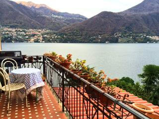 Spacious Apartment with nice view, Brienno