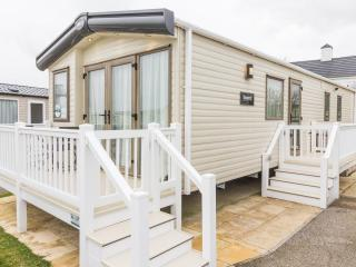 Ref 80021 Oceanview at Hopton Haven  8 berth stunning with a Seaview and Decking, Hopton on Sea