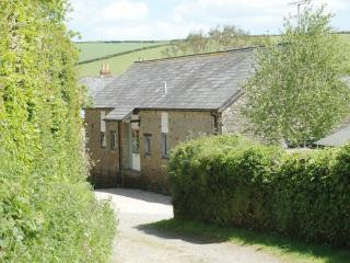 Beautiful 3 bedroomed cottage with INDOOR SWIMMING POOL, stunning rural location