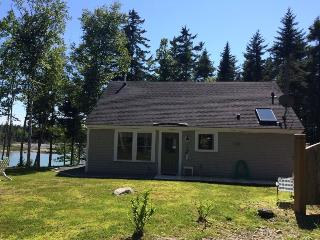 APPLE ISLAND COTTAGE - Deer Isle