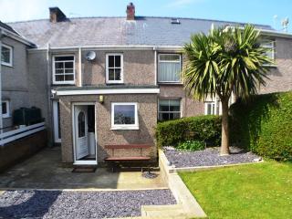 Madryn Cottage at Clynnog Fawr feat. TWO Gardens, Clynnogfawr