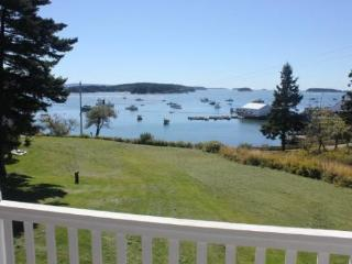 SAM`S COTTAGE - Stonington