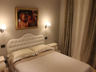 ROMANTIQUE ROOM at Fine Venice B&B