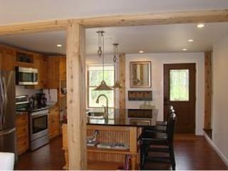 Pristine New Home,  1 mile to Beach, Dock Square, Kennebunkport