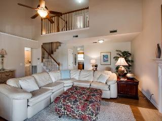 Welcoming Nashville House - 14 Minutes from Downtown!, Goodlettsville