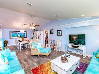 Whimsical 'Purple Palms' Beachside Haven – Newly Renovated!