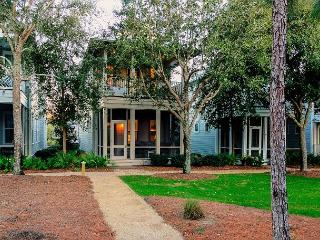 4BR Watercolor home on park. Enjoy a long weekend!