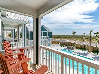 3BR Padre Island Townhome w/ Easy Beach Access