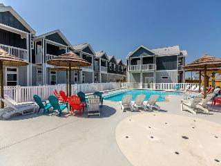 Crab Shack: A Padre Island Townhome with Easy Beach Access – Sleeps 10