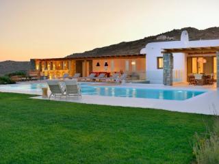 Villa Zeta, Elia