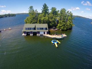 Hope Island Cottage & Boathouse on Lake Joseph
