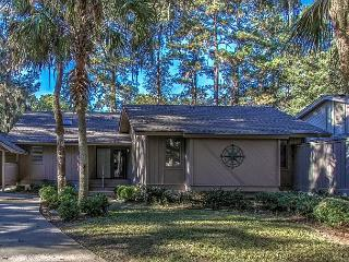 Luxurious Renovated 6 Cannon Row Home. Everything is new! Free Bikes & Tennis, Hilton Head