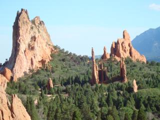 PIKES PEAK COTTAGE BY GARDEN OF THE GODS GREAT VIEW & LOCATION; WALK EVERYWHERE