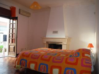 HYH Carcavelos Country - Room 2 Sunset Orange