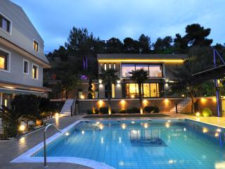 Mando Luxury Resort, Villa Iris