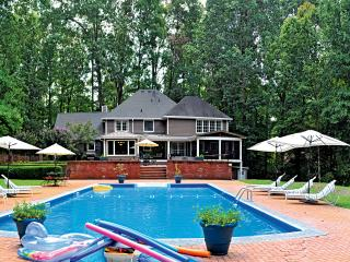 Luxury Vacation Home With Pool & Spa Near Atlanta