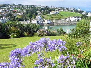 Windrush Fabulous Split-Level Sea View House, Portmellon Cove