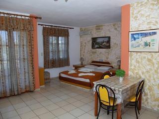 Family studio in Chersonissos, Chersonisos