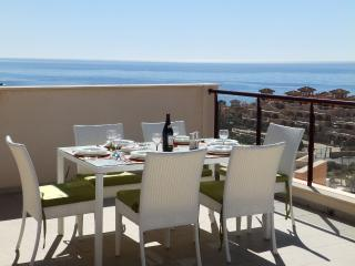 MH18 - Deluxe 2 Bed apartment, sea views, registered with Murcia Tourist Board