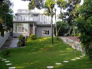 Nuansa alam hijau dan pesona gunung Merapi., Sleman
