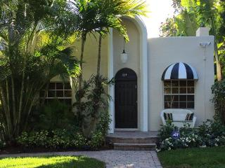 Private Tropical Oasis in Histortic Flamingo Park, West Palm Beach