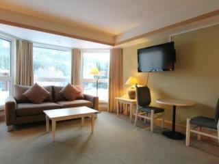 Whistler Le Chamois 1 Bedroom Condo plus Sofabed - Sleeps 4!