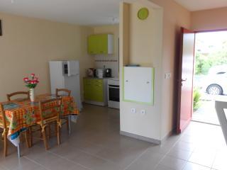 maison  avec jardin sur deux niveau
