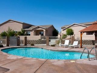 2 Bedroom Villa w/Garage, Lake Havasu City