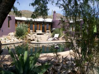Desert Moon-Main House-Architectural Gem!