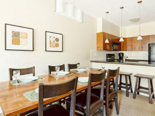 Panorama Lookout Contemporary 2 Bedroom Townhome