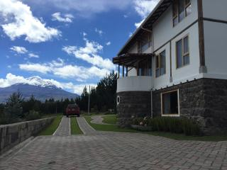 Beautiful home in the Ecuadorian highlands Chimborazo mountain view!