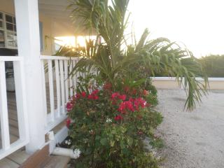 Cottage with great views of Caicos Banks, Long Bay Beach