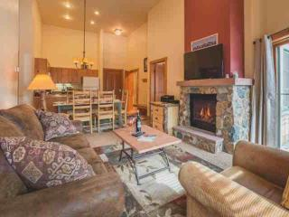River Run Village, Short Walk To GONDOLA. Year-Round Heated Pool, Hot Tub, Gym,