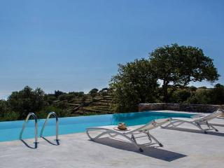 Villa Oliva in Kea | pool - view - petanque court, Ceos