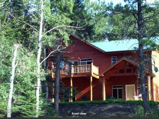 Gorgeous, Fully Loaded, Cottage in The Pines, Nemo