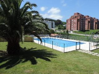 Confortable apto. con piscina, Castro Urdiales