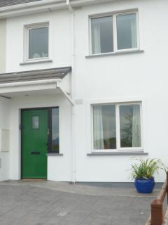 Our Holiday Home - centrally located for Killarney, Dingle, Ring of Kerry, Tralee, Killorglin