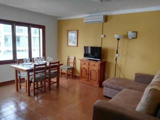 Cala Ferrera: Wi-Fi, Air cond, cable TV, terraces