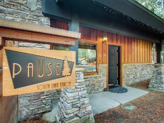 Dog-friendly, contemporary cabin with a private hot tub!, South Lake Tahoe