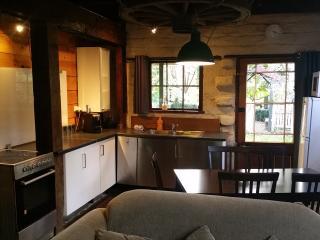 Blerick Country Retreat - Mudbrick Cottage