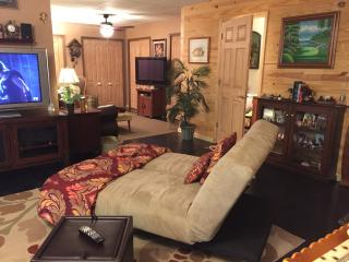 Secluded Log Home Apartment Lake Lure