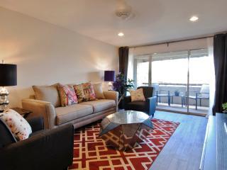 1BR Condo in Scottsdale w/Balcony & Mtn Views!
