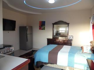 Cozy 3rd Floor Studio Apartment, Belize City