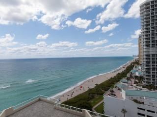 Luxury On the Beach Sunny Isles La Perla Resort