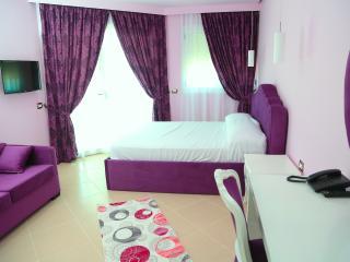 Nomelia Residence Camera Tripla Delux Con Vista Mare. Adatta per una famiglia con figli/ ò tre adult