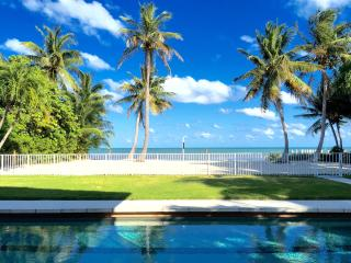 FLORIDA KEYS OASIS - The Corona commercial-welcome ****7 DAY MINIMUM RENTAL****